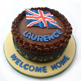 Lawrence_army_homecoming_cake_web.jpg