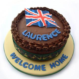 Lawrence_army_homecoming_cake_web.jpg
