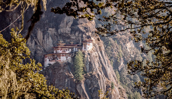 5 Ways Visiting Bhutan Can Be Cheaper Than Travelling Across India!!