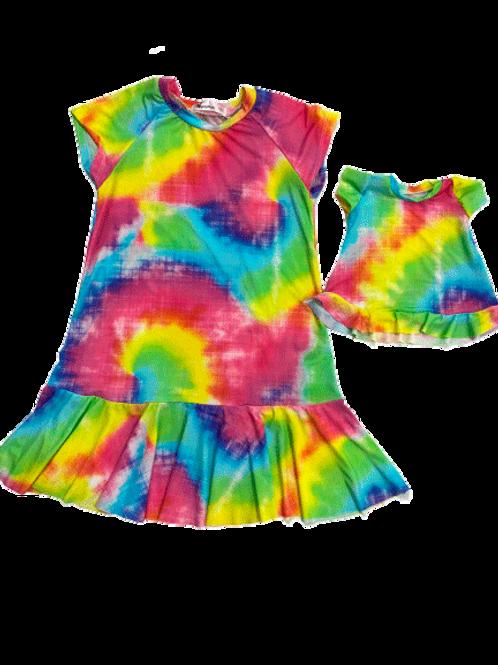 Vestido estampa tie dye colorida