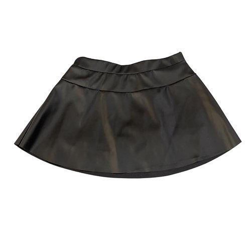 Shorts saia couro preta