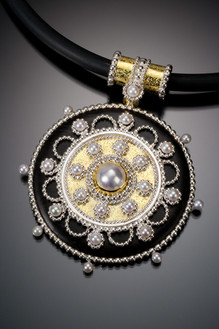 Dandella Medallion