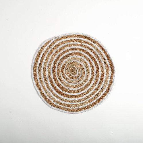 Round Jute placemats with cream circular design