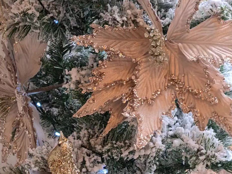 Have a Christmas Tree to Match Your Table Setting!
