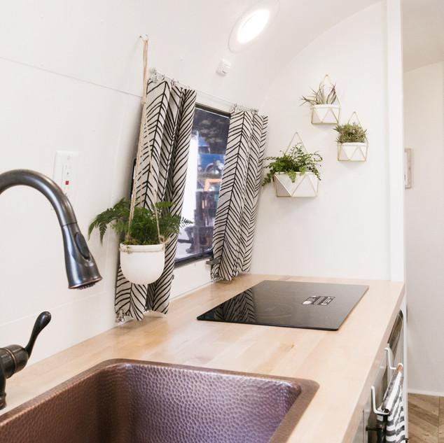 Lolalita Airstream Kitchen 6