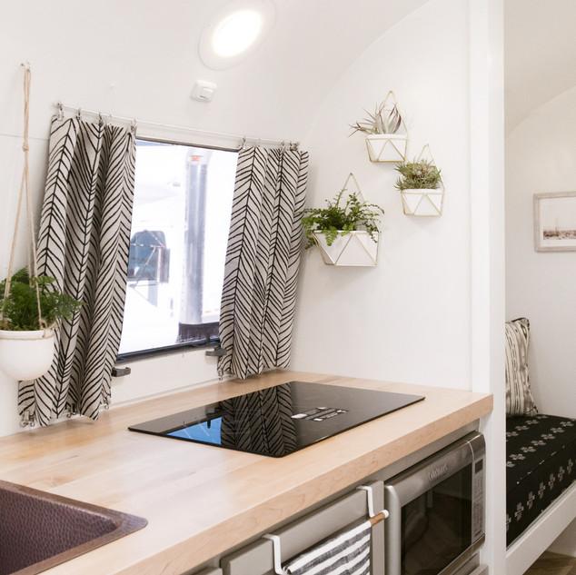 Lolalita Airstream Kitchen 3