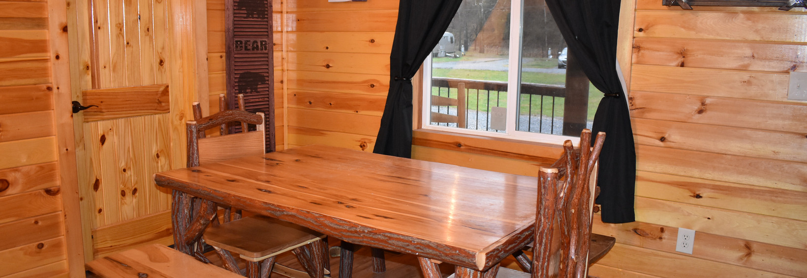 Hummingbird Cabin Dining Area
