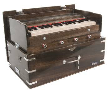 Harmonium, 2 1/2 Octave Walnut Finish