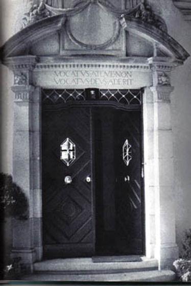 Carl Gustav Jungs front door.jpg