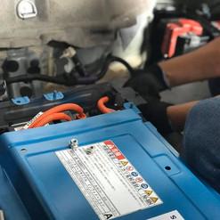 Aqua hv battery being installed