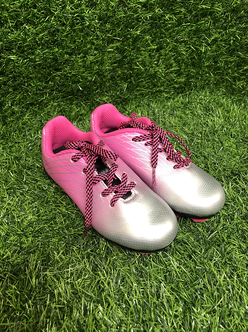 Soccer cleats -Size 9