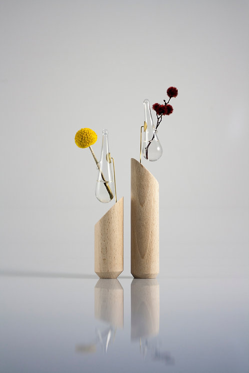 Boutonniere & Wooden stand