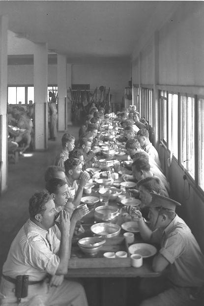 _Kibbutz_Ein_Harod_Dining_Hall.jpg