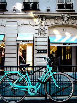 Authentic Chanel Shopping Tours in Paris