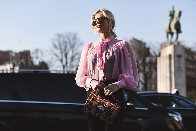 Resized 697 X 465 woman with pink blouse
