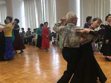 シニアのダンスパーティー