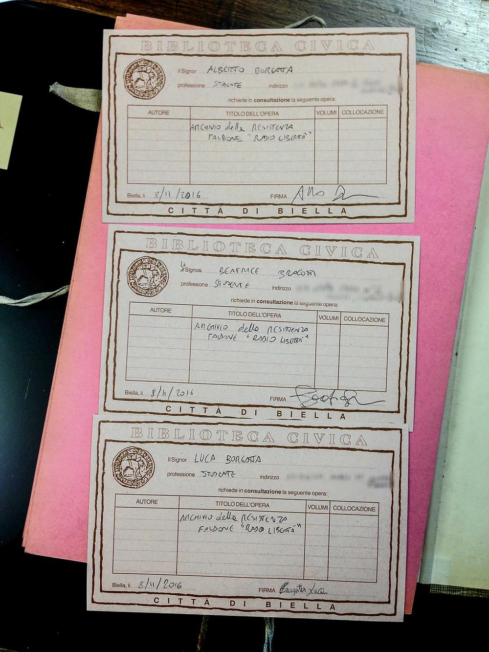 I nostri badge per la consultazione in Biblioteca a Biella