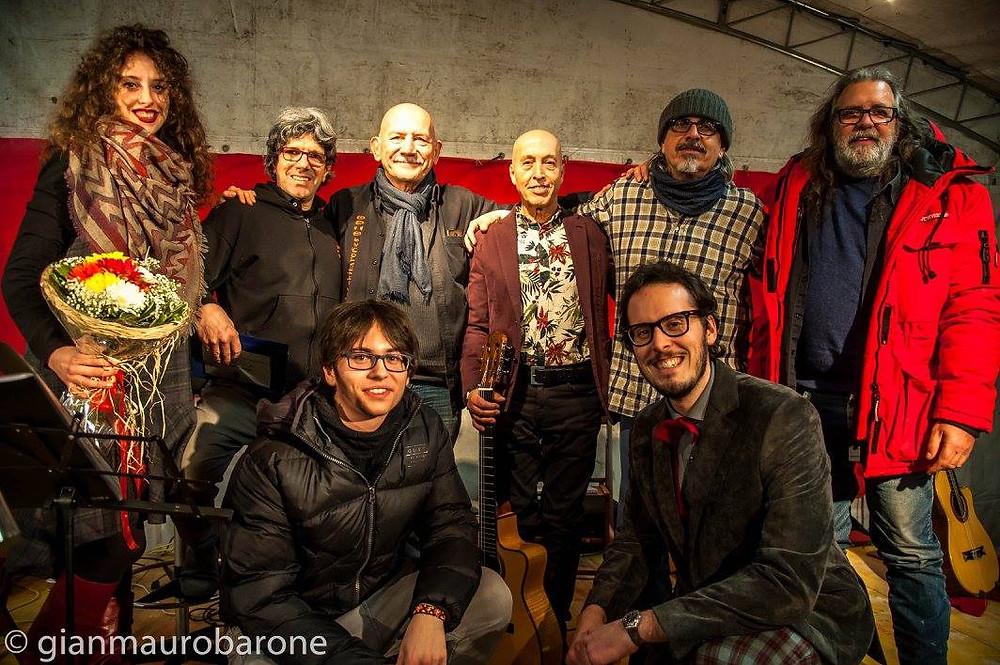 Noi insieme a nostro padre, ai Los Chitarones e a Carlo Marrale