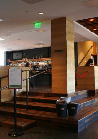 HotelVT-Lobby.JPG