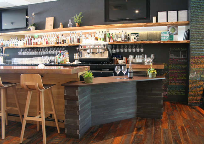 HotelVT-Bar.JPG