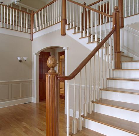 CustomHomes-Stairs.jpeg