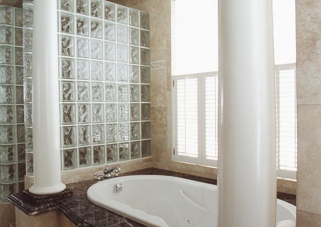 CustomHomes-Bath.jpg