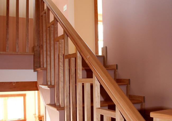 CustomHomes-Stairs5.jpg