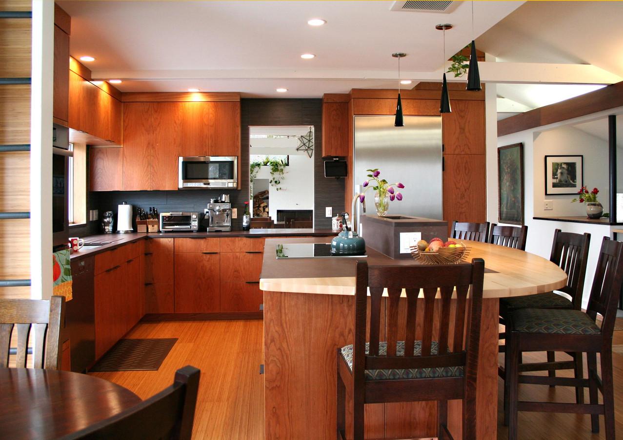 CustomCabinetry-Kitchen5.jpg