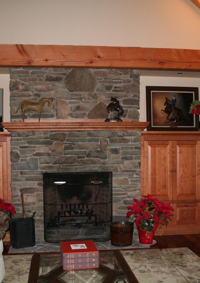 CustomHomes-Fireplace.jpeg