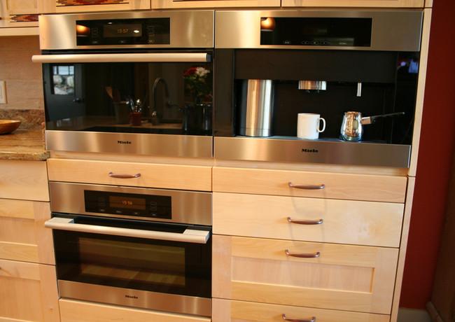 CustomCabinetry-Kitchen18.jpeg