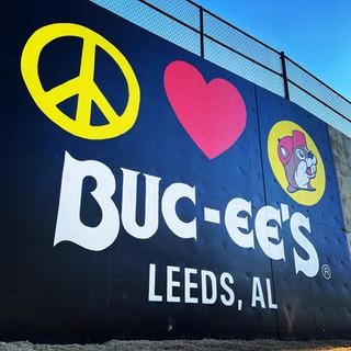Buc-Ee's mural