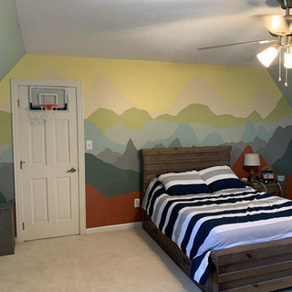 Bedroom mountains mural.