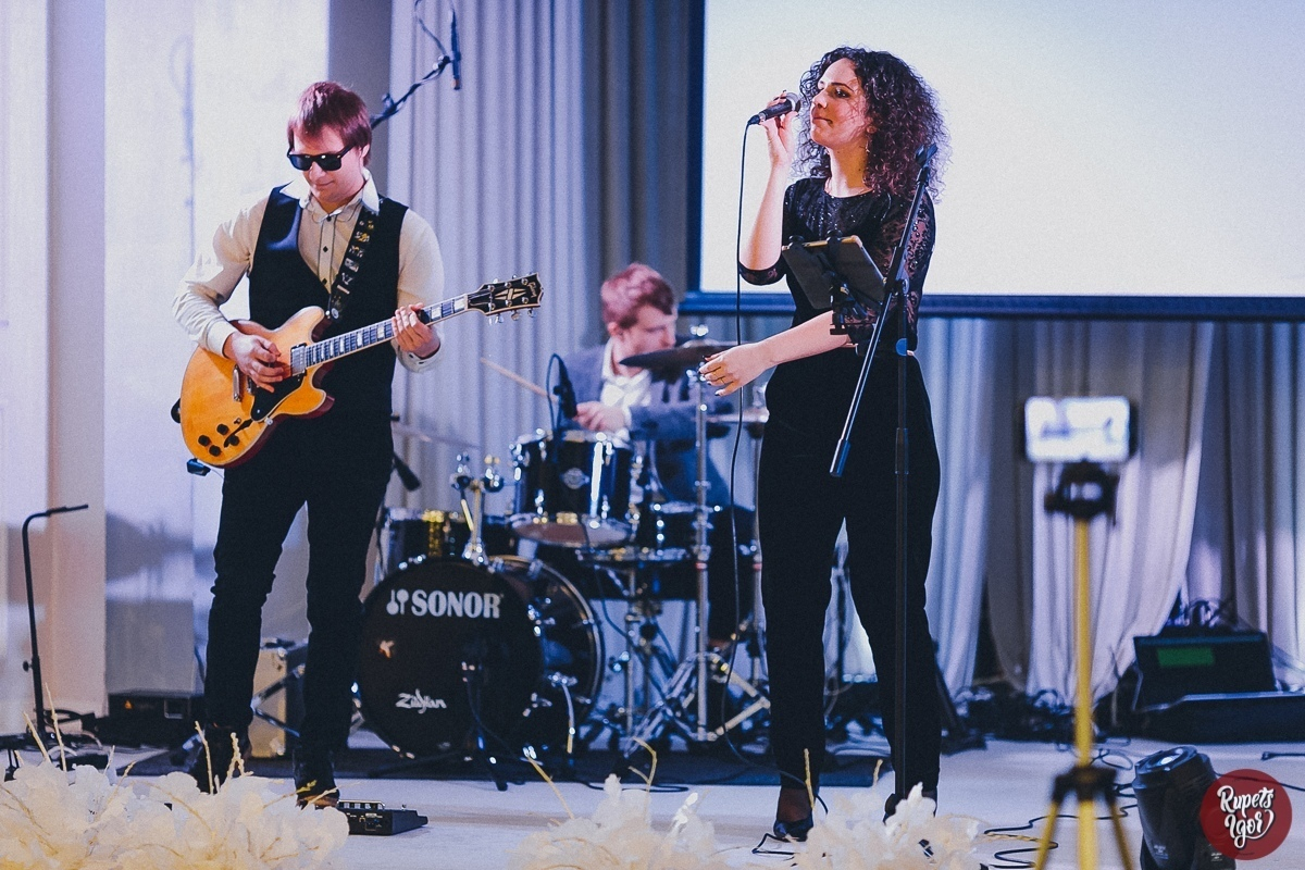#OKkeyBand & Natalie live 006