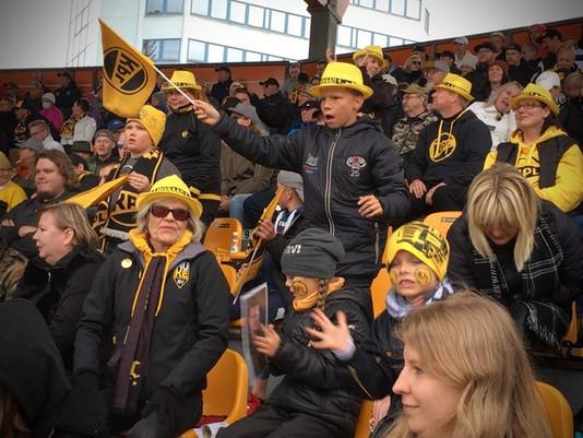 MustaKeltaiset ry järjestää fanimatkan Tampereelle