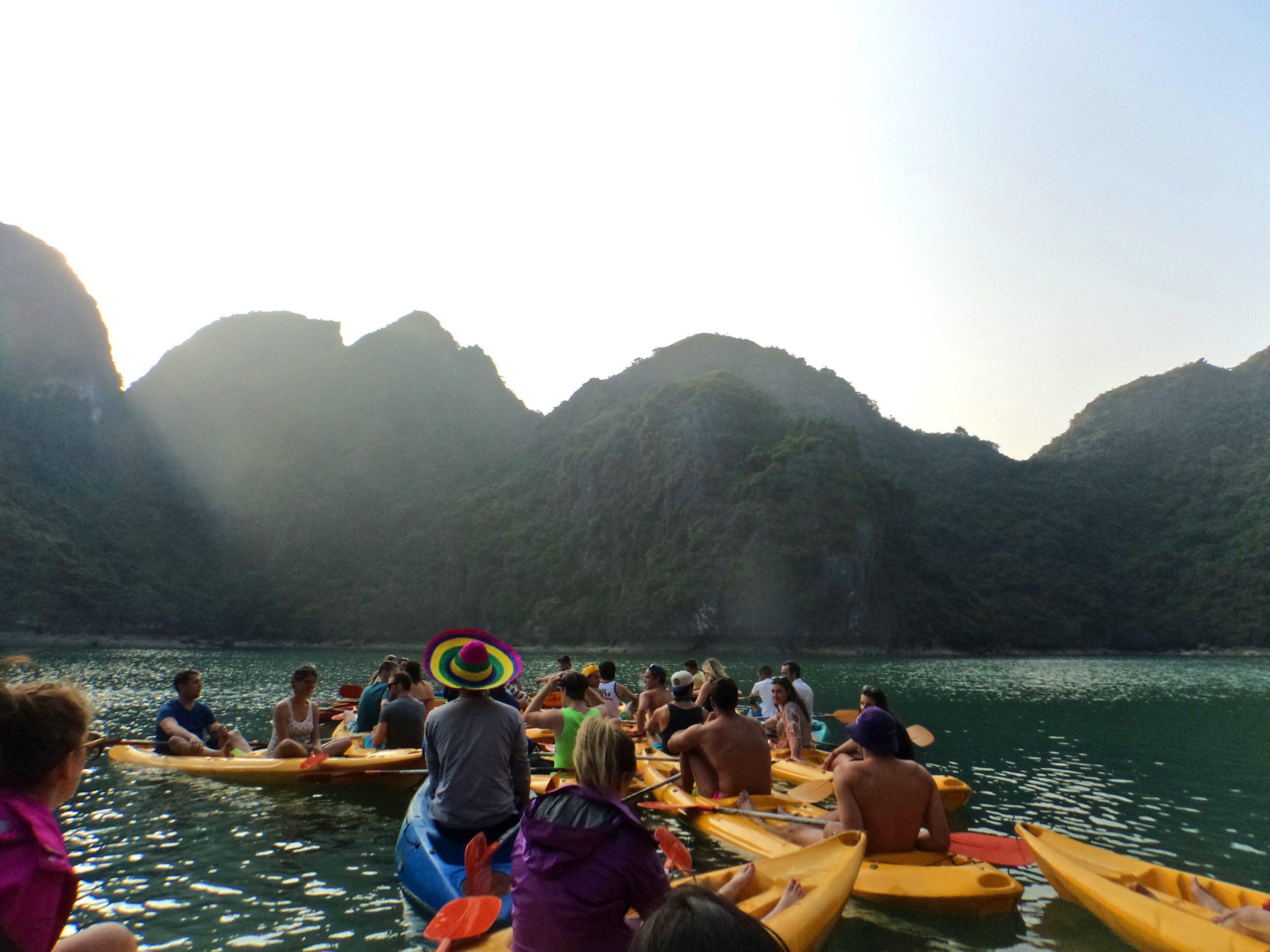 halongbay_vietna_2