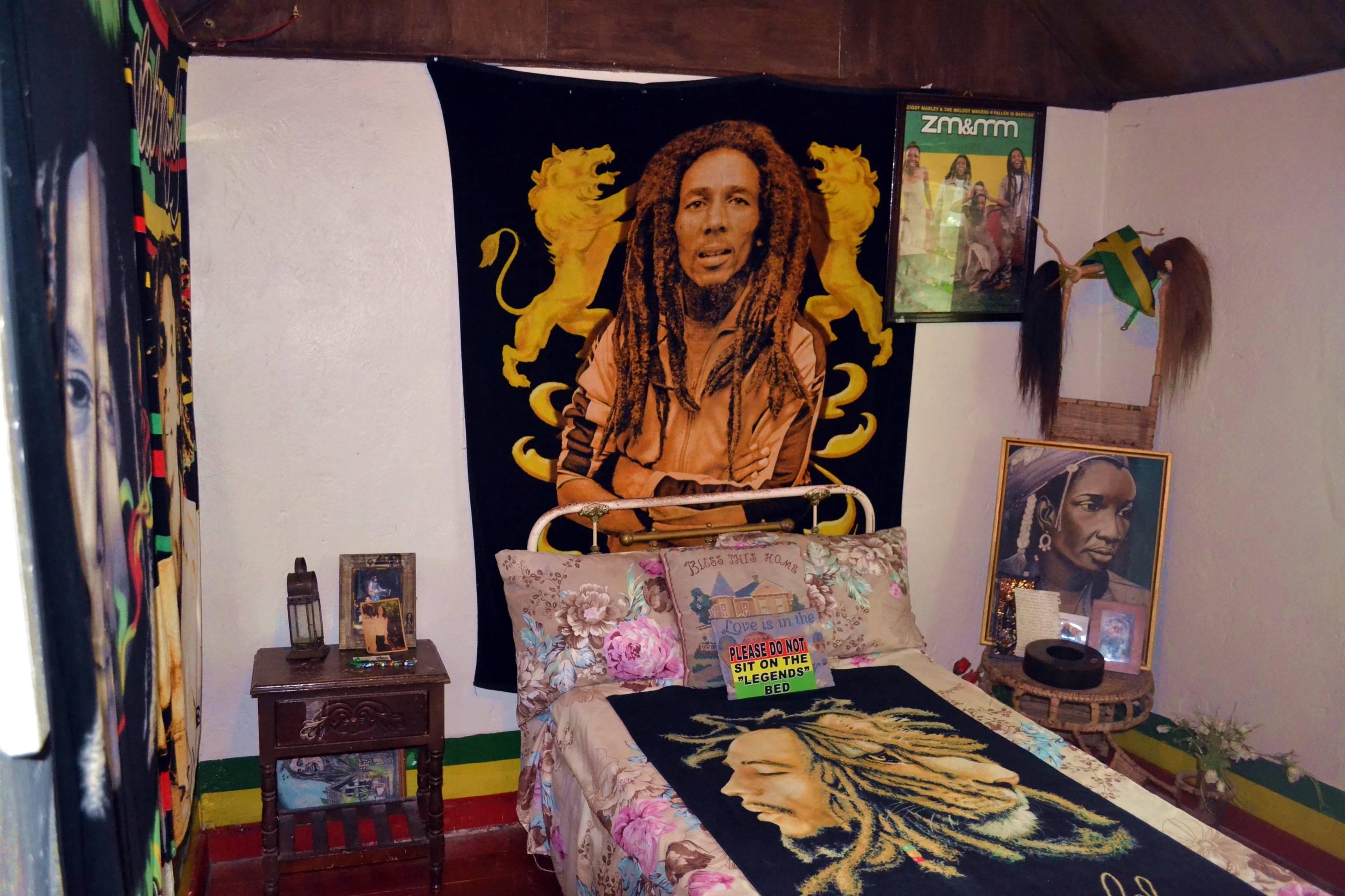ninemile_jamaica_bobmarley_4