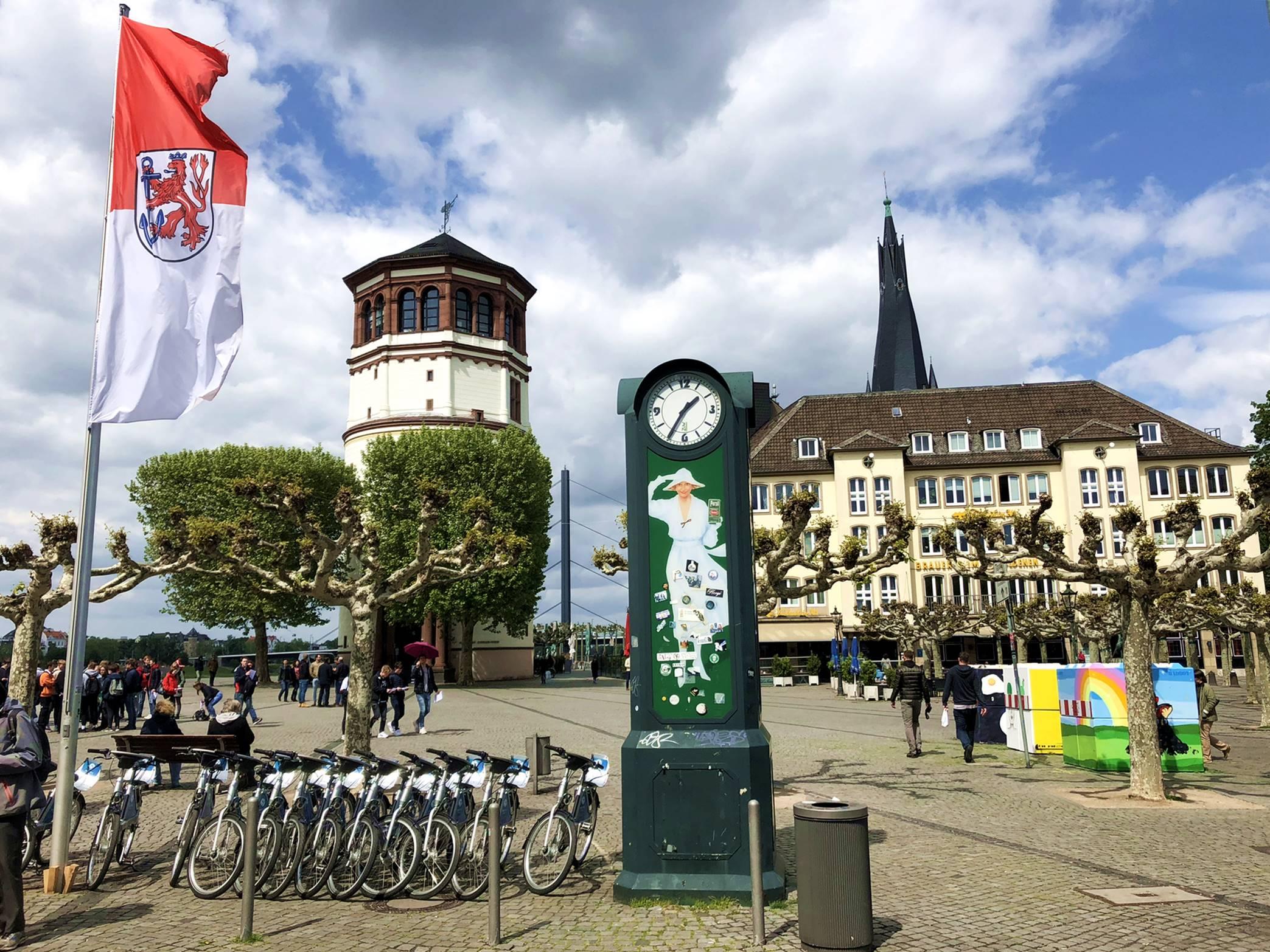 dusseldorf_alemanha_burgplatz_1