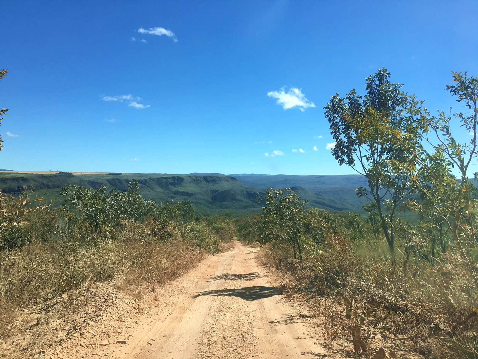 chapadadosveadeiros_brasil_estrada