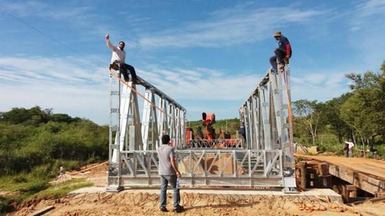 Alistan puente metálico nacional