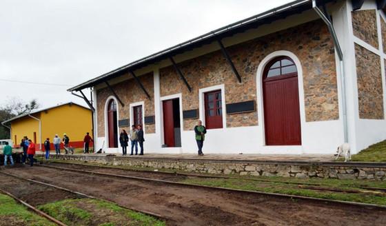 Escobar logra la restauración de antigua estación del ferrocarril