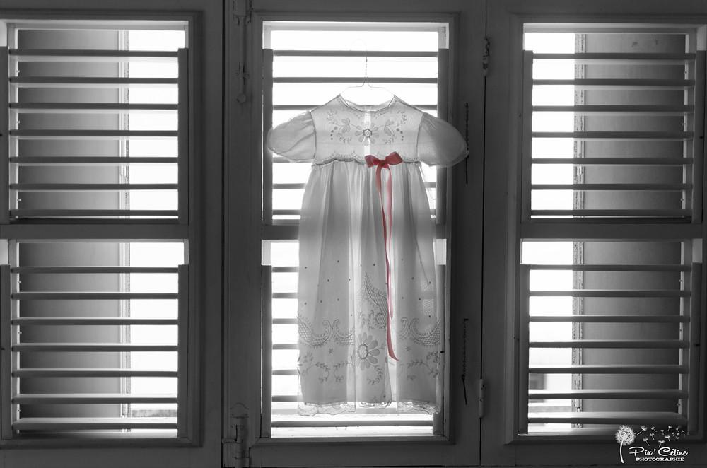 robe baptême en contre jour