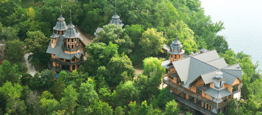 Tour Castle Rogue's Manor