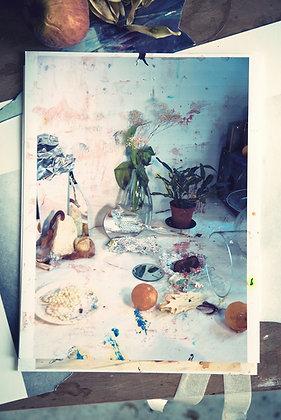 Ayline Olukman - Still Life Photograph - 48x72cm - Encadré bois clair
