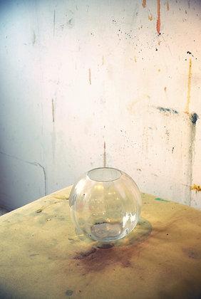 Ayline Olukman - Studio - 48x72cm - Encadré bois clair