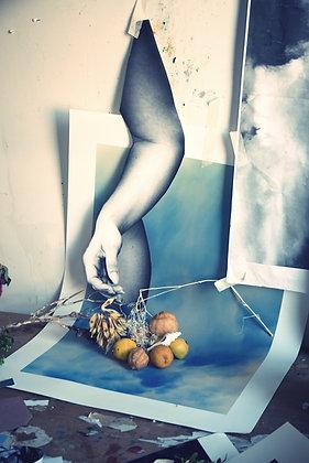 The hand - Ayline Olukman - 48x72cm - Encadré bois clair
