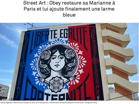 Street Art : Obey restaure sa Marianne à Paris et lui ajoute finalement une larme bleue.