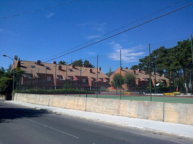 10 VIVIENDAS UNIFAMILIARES ADOSADAS - LOS MOLINOS (MADRID)