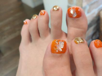 夏のフットネイル マンダリンオレンジ&ゴールド