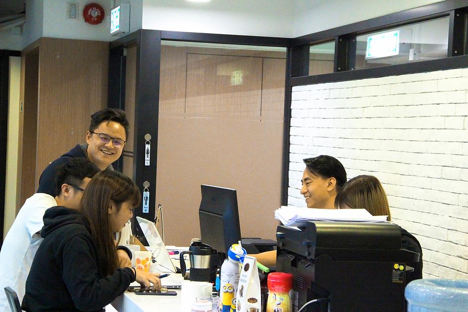 IB-IGCSE-Tutor-HongKong_25_edited.png