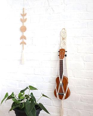 Ukuele hanger with gold beads for hanging ukuleles, mount stand hanger for ukuleles